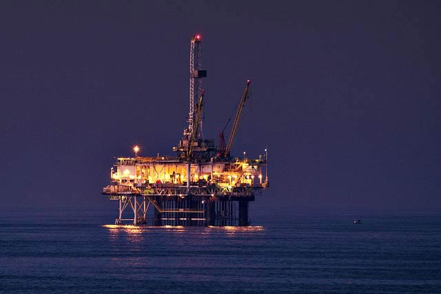 Will Norway�s oil fund ban fossil fuel?