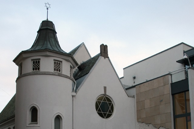 Young Muslims in Norway to Make a Ring around Synagogue